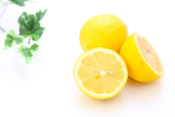 塩とレモンの組み合わせで歯は白くなる?