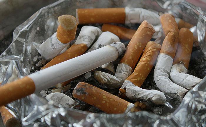 タバコに関しての着色